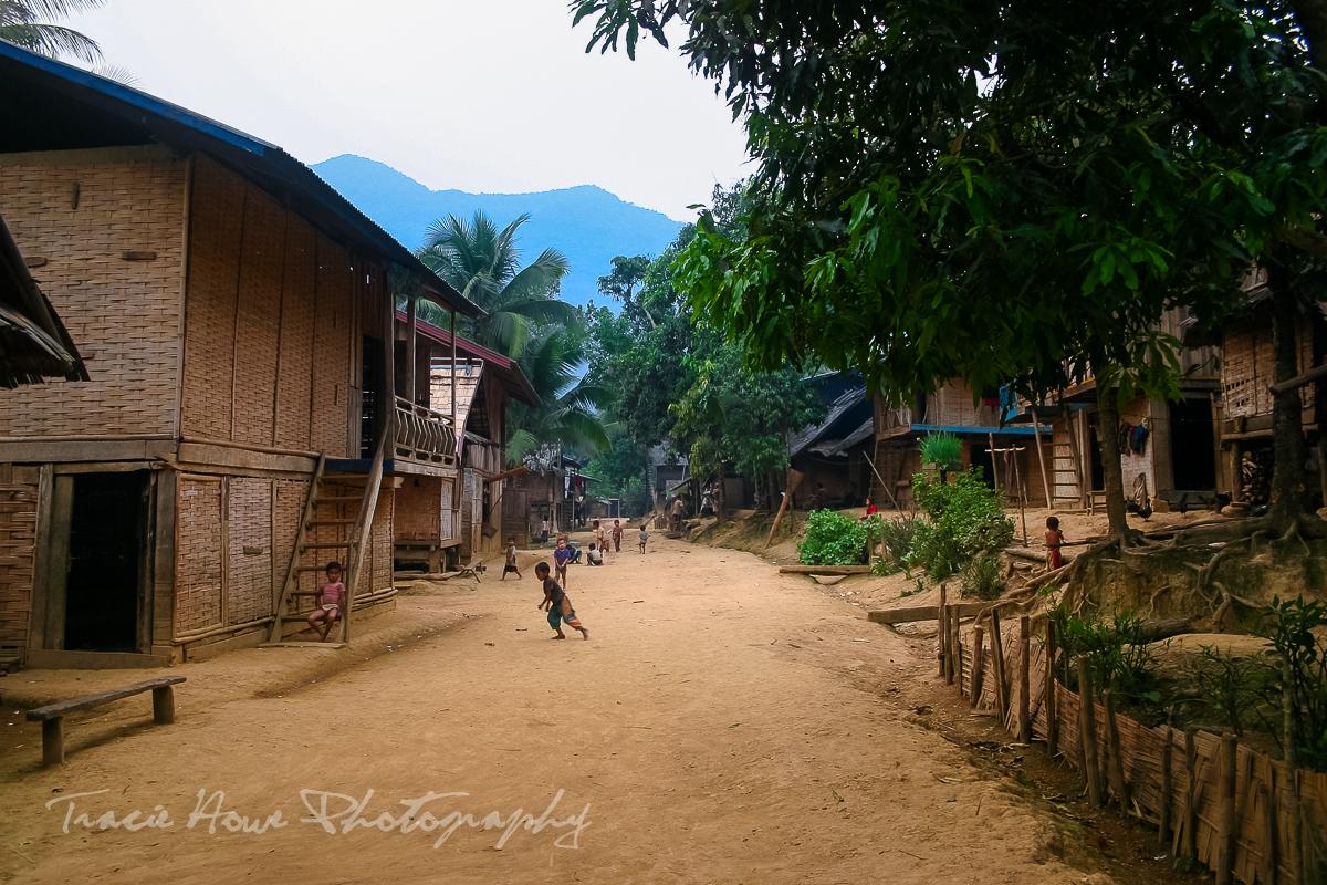 Mong Ngoi, Laos