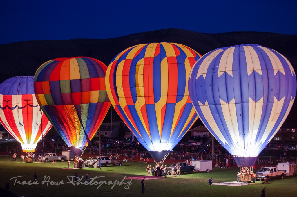 photographing the Prosser Balloon Rally night glow