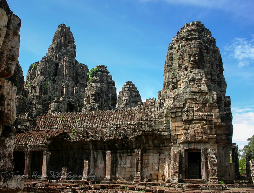 Cambodian temple experience Tinggly