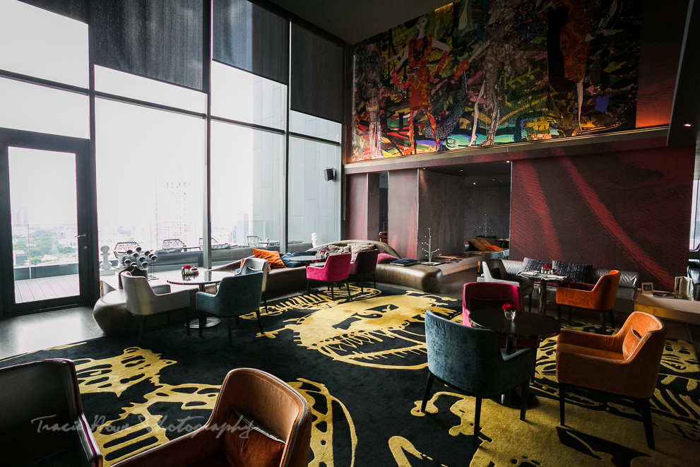 Club Signature lounge.