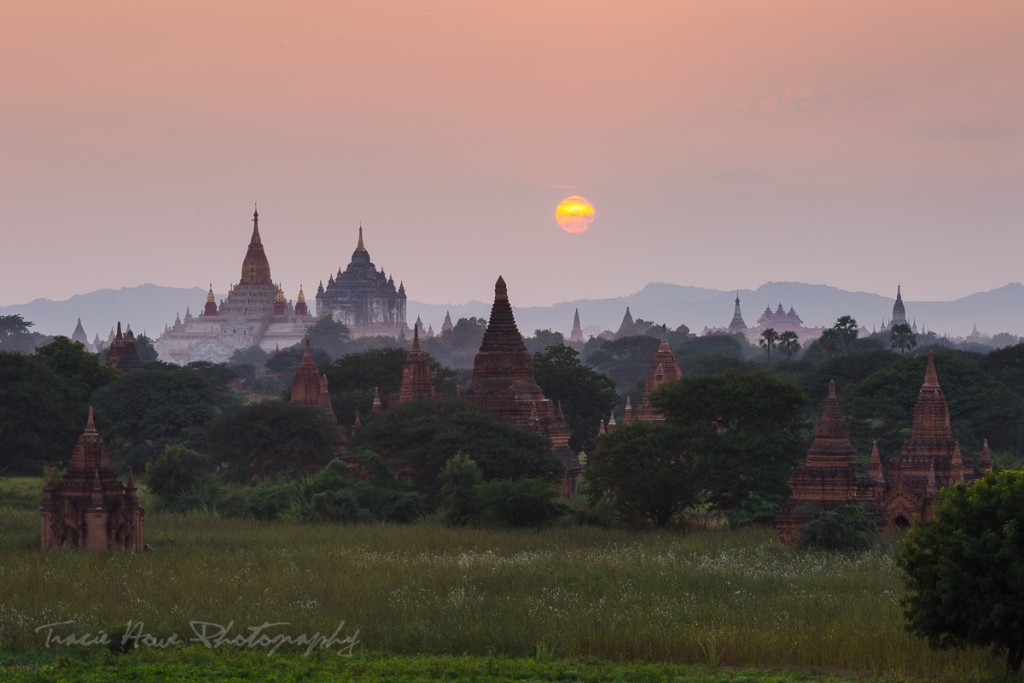 Bagan sunset temples