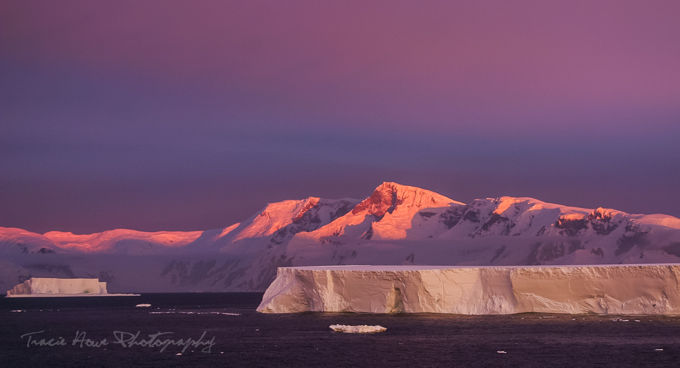 Photo of Antarctica sunset