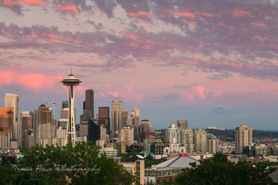 Seattle top 10 things to do - sunset at Kerry Park