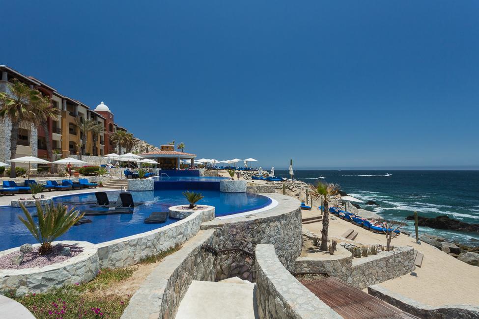 Hacienda Encantada infinity pool