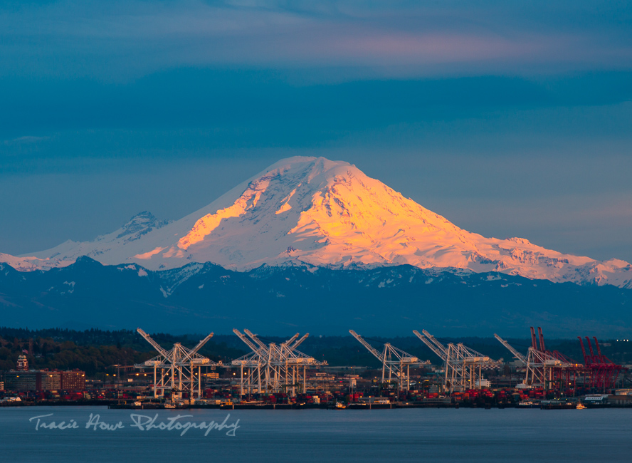 Mount Rainier sunset view