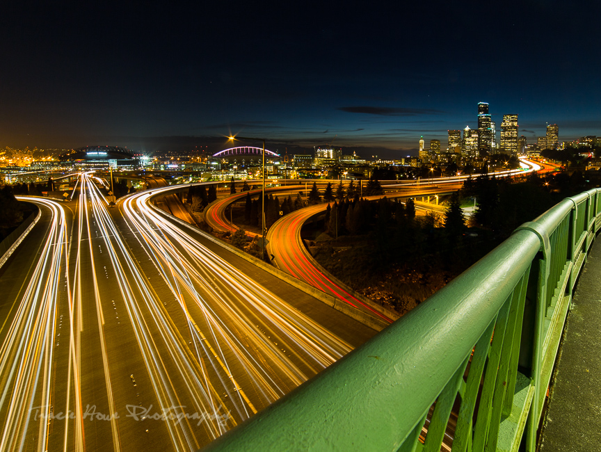 Jose Rizal Bridge at night
