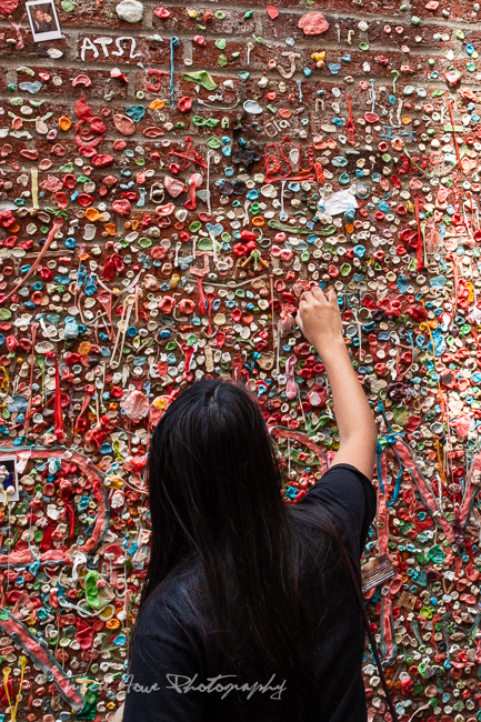 quirky Seattle things to do - gum wall